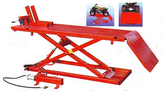 table l vatrice moto et quad 680 kg levage moto. Black Bedroom Furniture Sets. Home Design Ideas